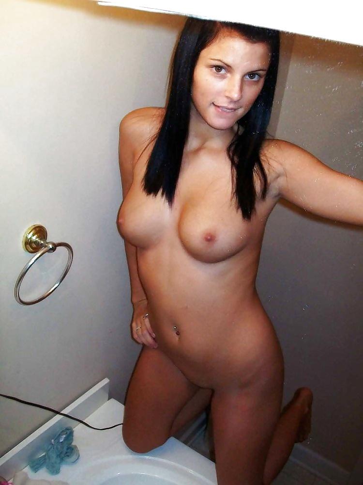 Anregende unbekleidete Mädels in gratis Fotos